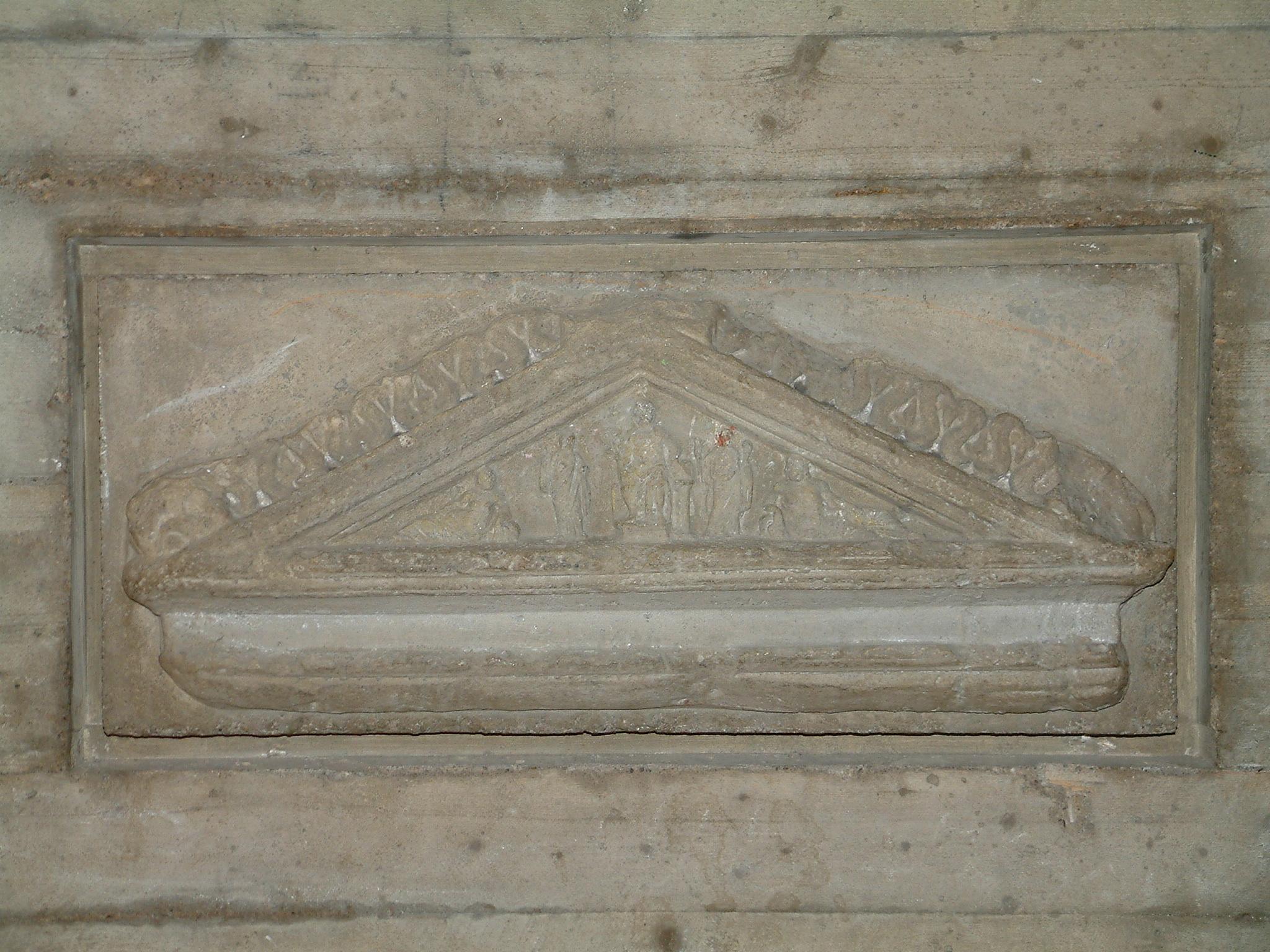 Giebel eines römischen Grabmals