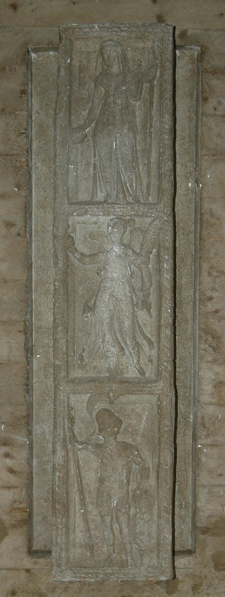 Fragment eines Steinpfeilers für Jupiter
